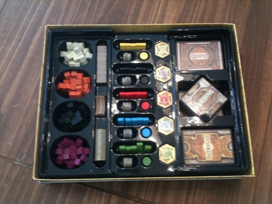 The layout of the inside of the box.